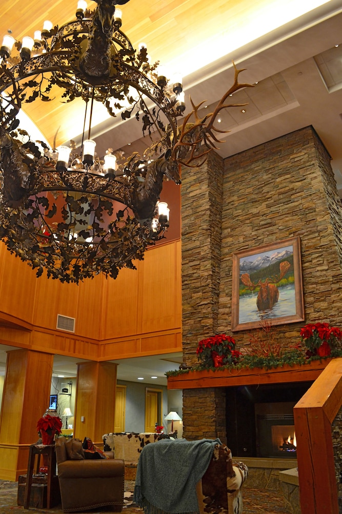 Lobby, The Summit Hotel at Big Sky Resort