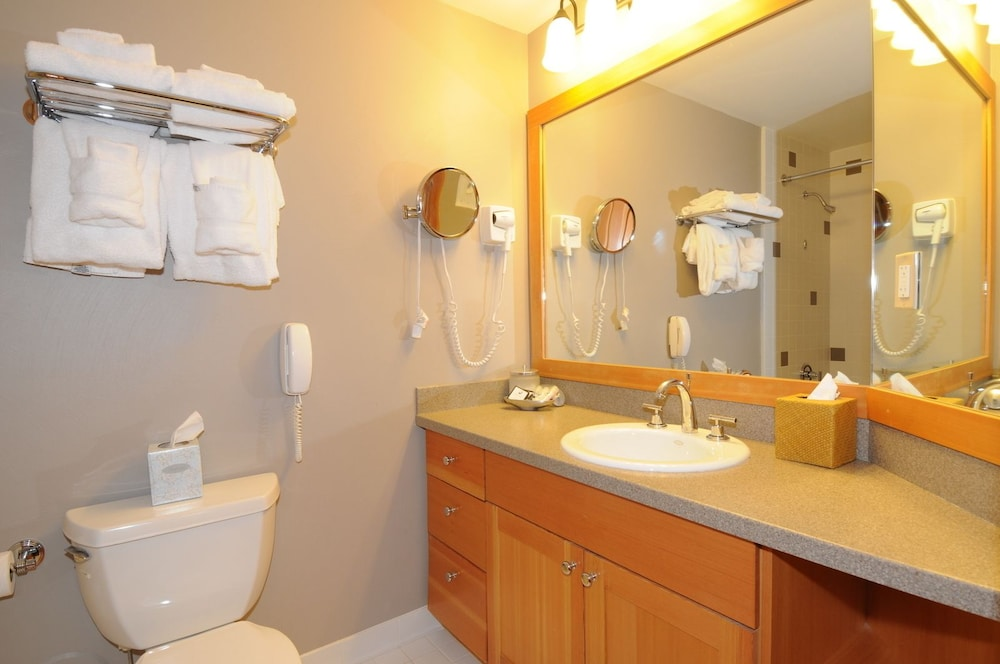 Bathroom, The Summit Hotel at Big Sky Resort