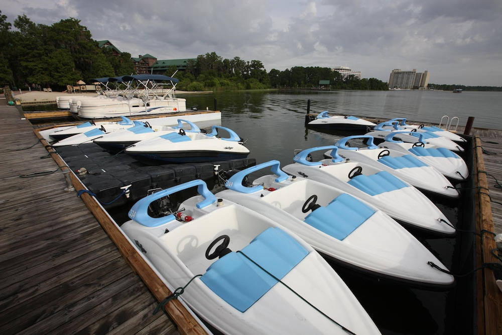 Boating, Disney's Wilderness Lodge