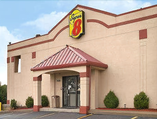 Great Place to stay Super 8 by Wyndham Brownsburg near Brownsburg
