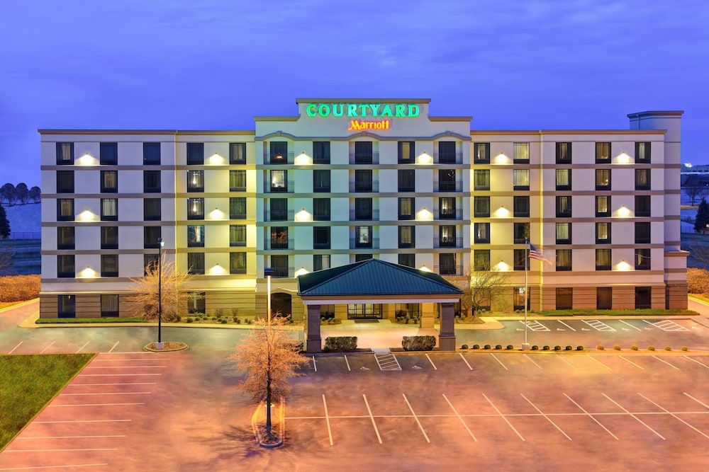 Front of Property - Evening/Night, Courtyard by Marriott Louisville Airport
