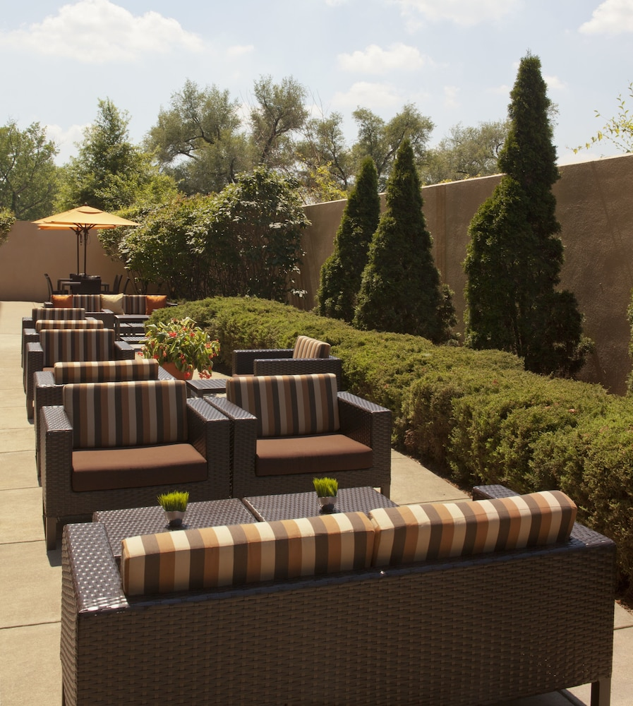 Terrace/Patio, Courtyard by Marriott Louisville Airport