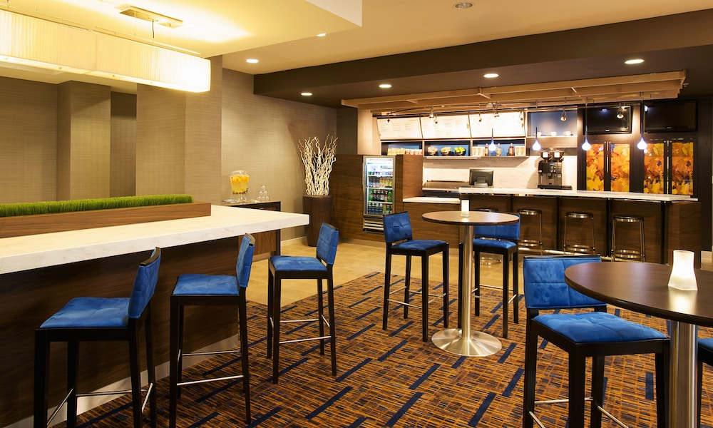 Dining, Courtyard by Marriott Louisville Airport