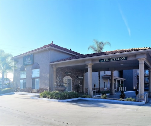 GuestHouse Inn & Suites Pico Rivera/Downey