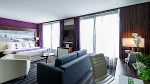 1 bedroom, hypo-allergenic bedding, free minibar, in-room safe