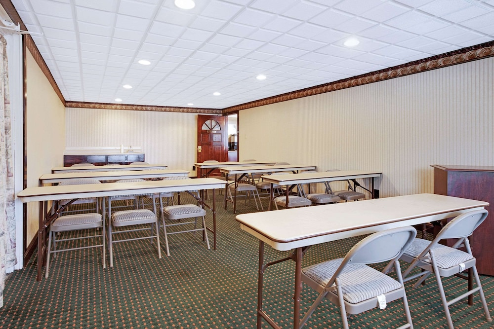 Meeting Facility, Knights Inn Mount Laurel