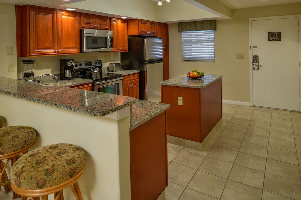 Private Kitchen, Polynesian Isles by Diamond Resorts