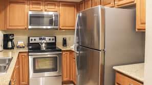 Fridge, microwave, dishwasher, coffee/tea maker
