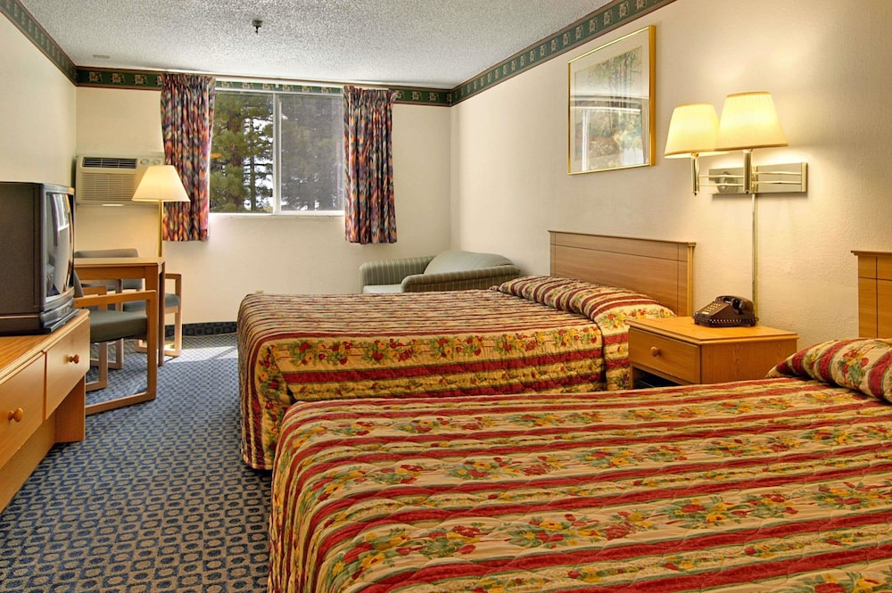 Room, Travelodge by Wyndham Mammoth Lakes