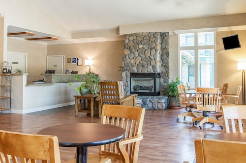 Great Place to stay Quality Inn near Half Moon Bay