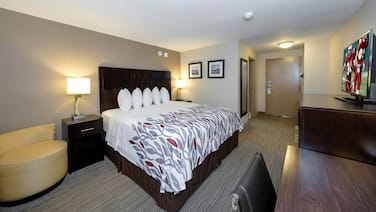 Red Roof Inn & Suites Newburgh – Stewart Airport