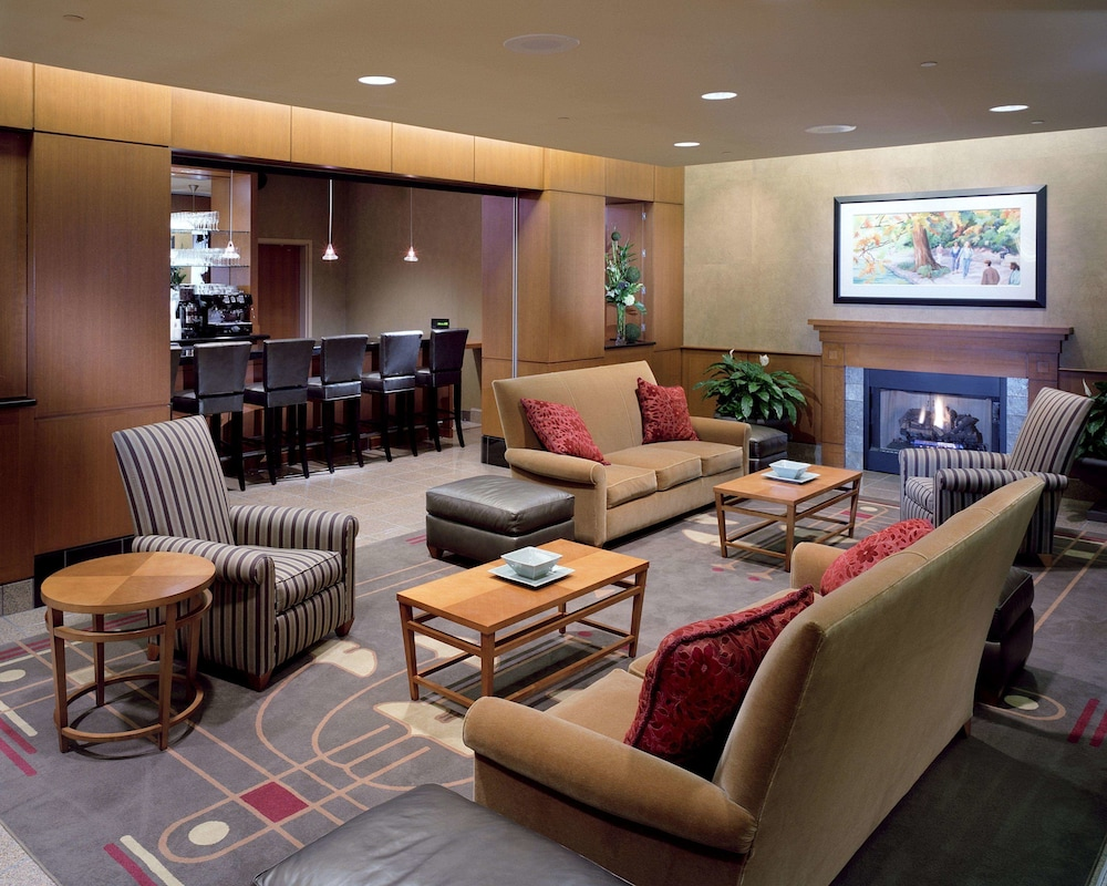 Lobby Sitting Area, The Blackwell Inn and Pfahl Conference Center