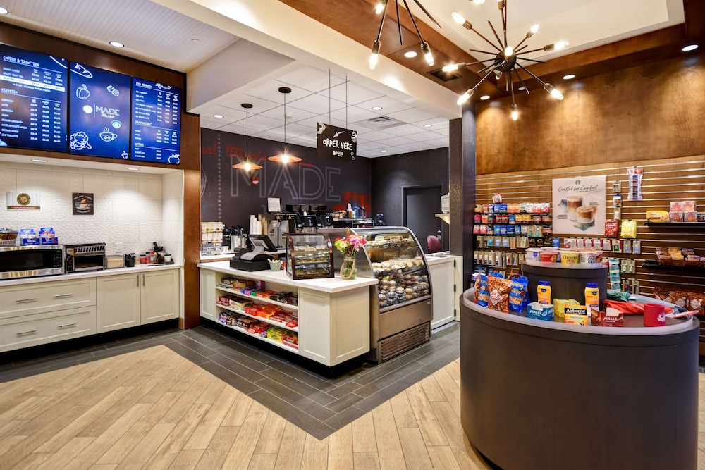 Snack Bar, DoubleTree by Hilton Deadwood at Cadillac Jack's