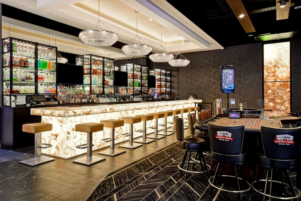 Bar, DoubleTree by Hilton Deadwood at Cadillac Jack's