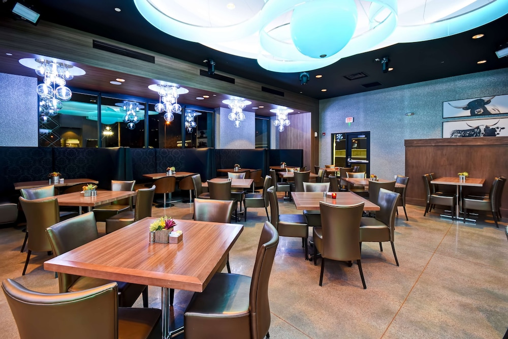 Restaurant, DoubleTree by Hilton Deadwood at Cadillac Jack's