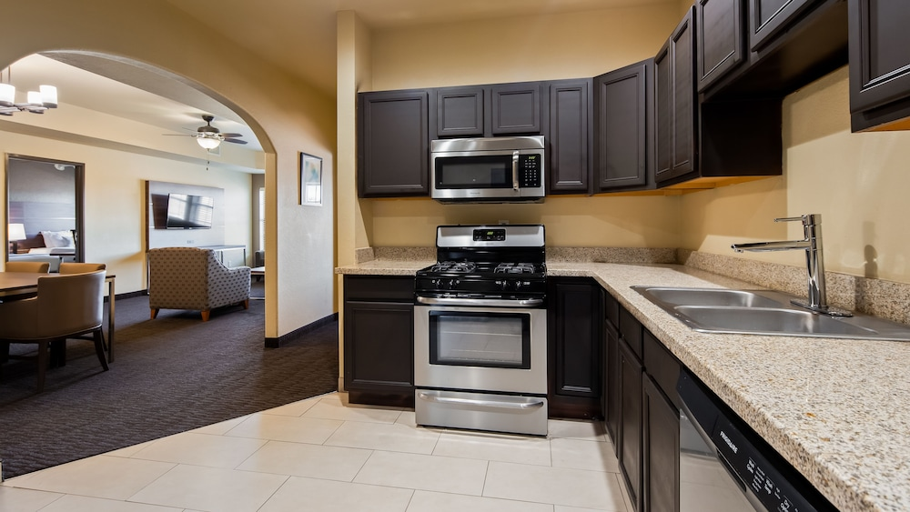 Private Kitchen, Best Western Plus Hill Country Suites