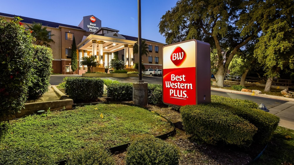 Featured Image, Best Western Plus Hill Country Suites
