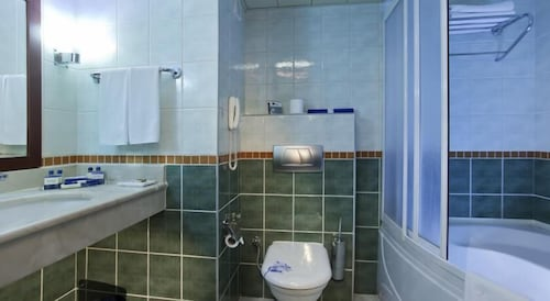 Bathroom, Best Western Plus Khan Hotel