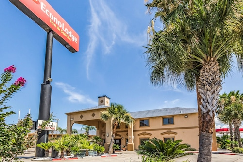 Check Expedia for Availability of Econo Lodge And Suites