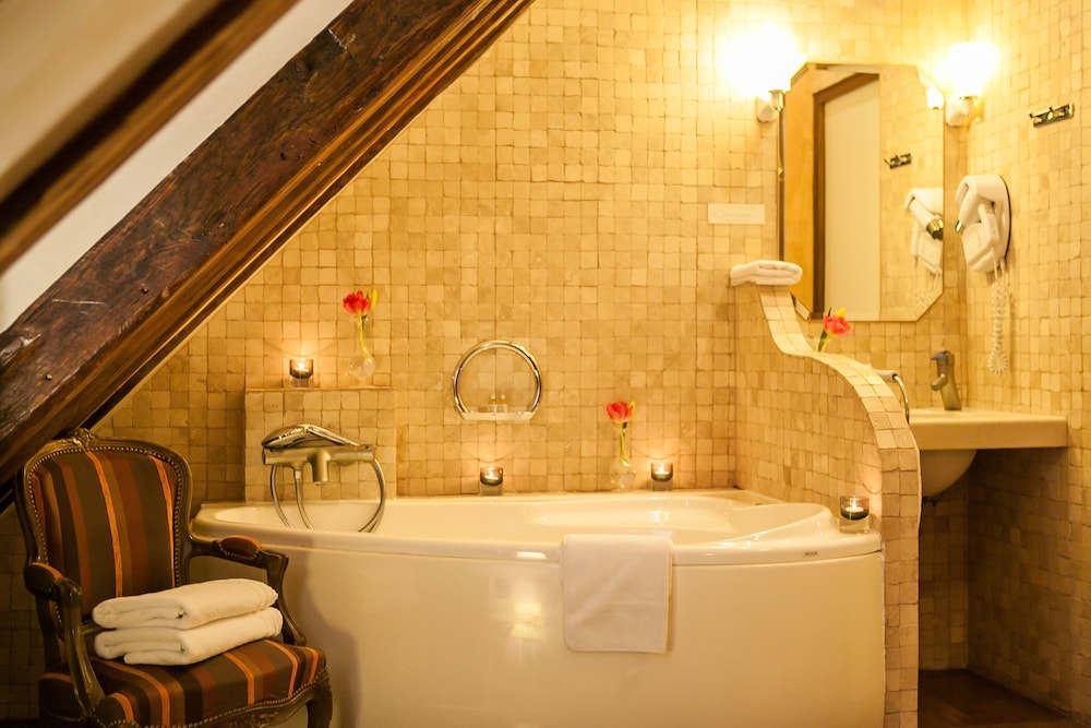 Jetted Tub, Hotel Europe Saint Severin Paris