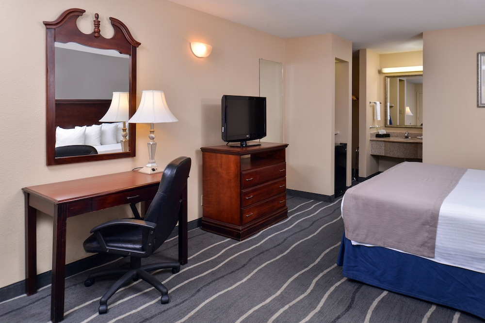 Best Western Irving Inn Amp Suites At Dfw Airport 2019 Room