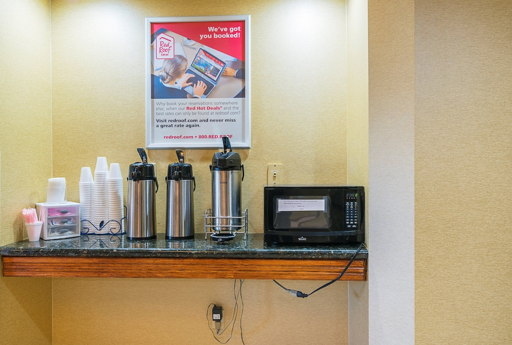Coffee and/or Coffee Maker, Red Roof Inn South Bend - Mishawaka