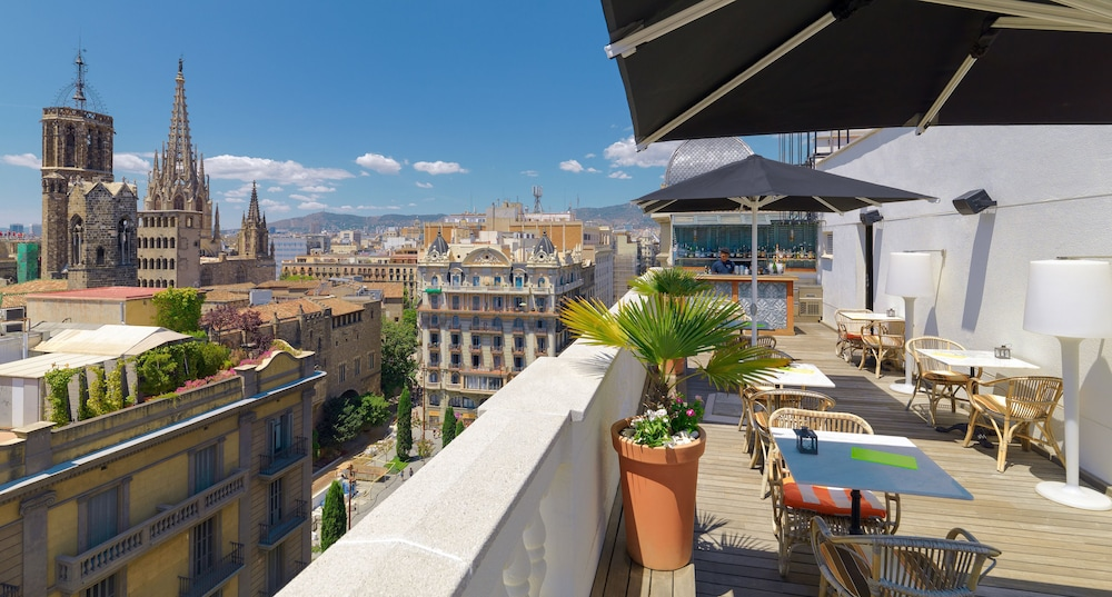 H10 montcada boutique hotel deals reviews barcelona for Boutique hotel offers
