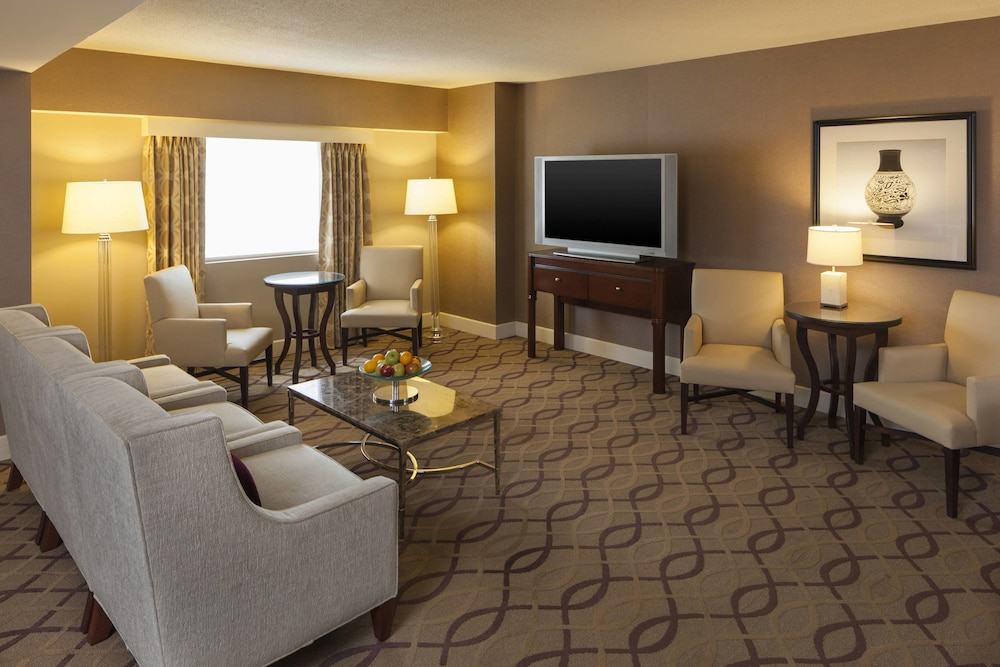 Executive Lounge, Sheraton Metairie - New Orleans Hotel