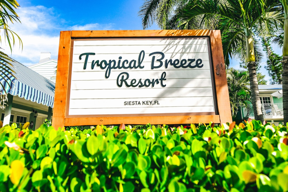 Front of Property, Tropical Breeze Resort