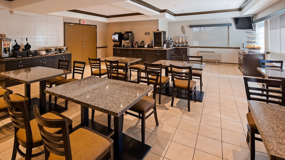Breakfast Area, Best Western King George Inn & Suites