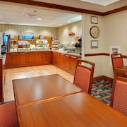 Holiday Inn Express Hotel & Suites Easton