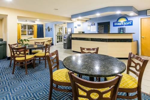 Days Inn And Suites Pryor
