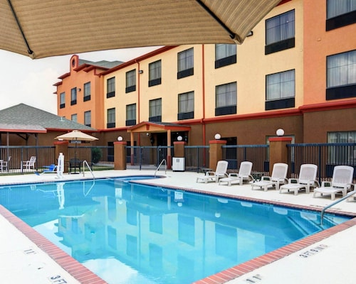 Springwood Suites Houston IAH - Beltway 8