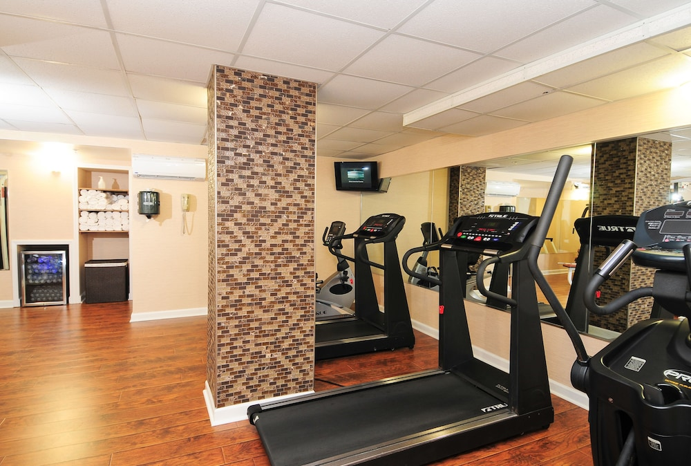 Fitness Facility, Holiday Inn At the Pavilion