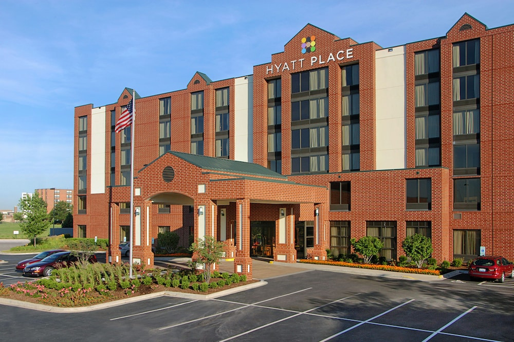 Exterior detail, Hyatt Place Raleigh-Durham Airport