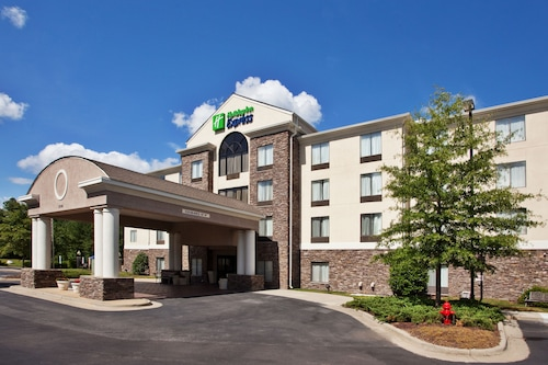 Check Expedia for Availability of Holiday Inn Express Apex - Raleigh
