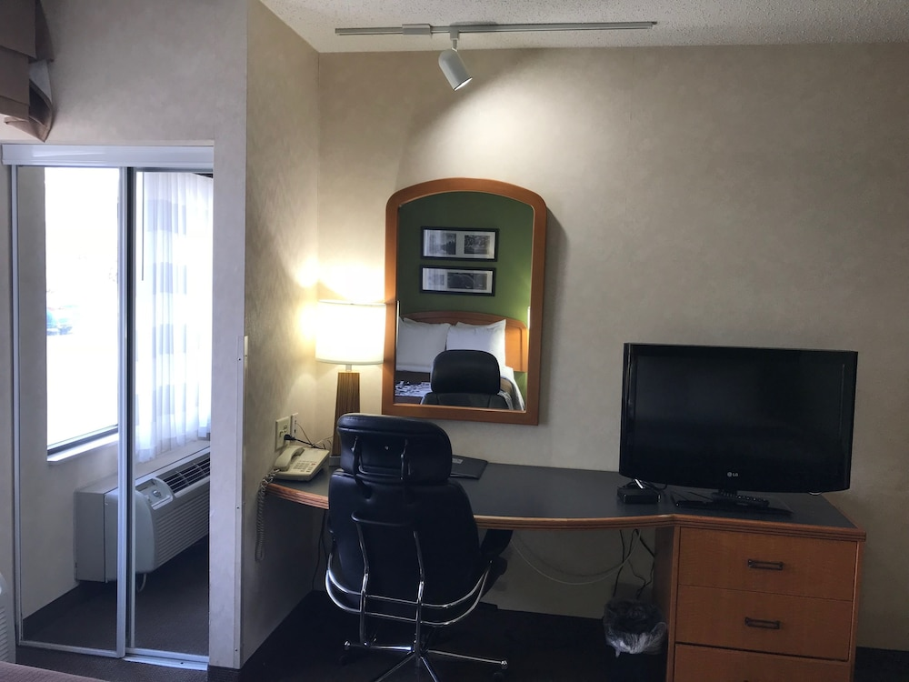 In-Room Business Center, Sleep Inn And Suites Bensalem