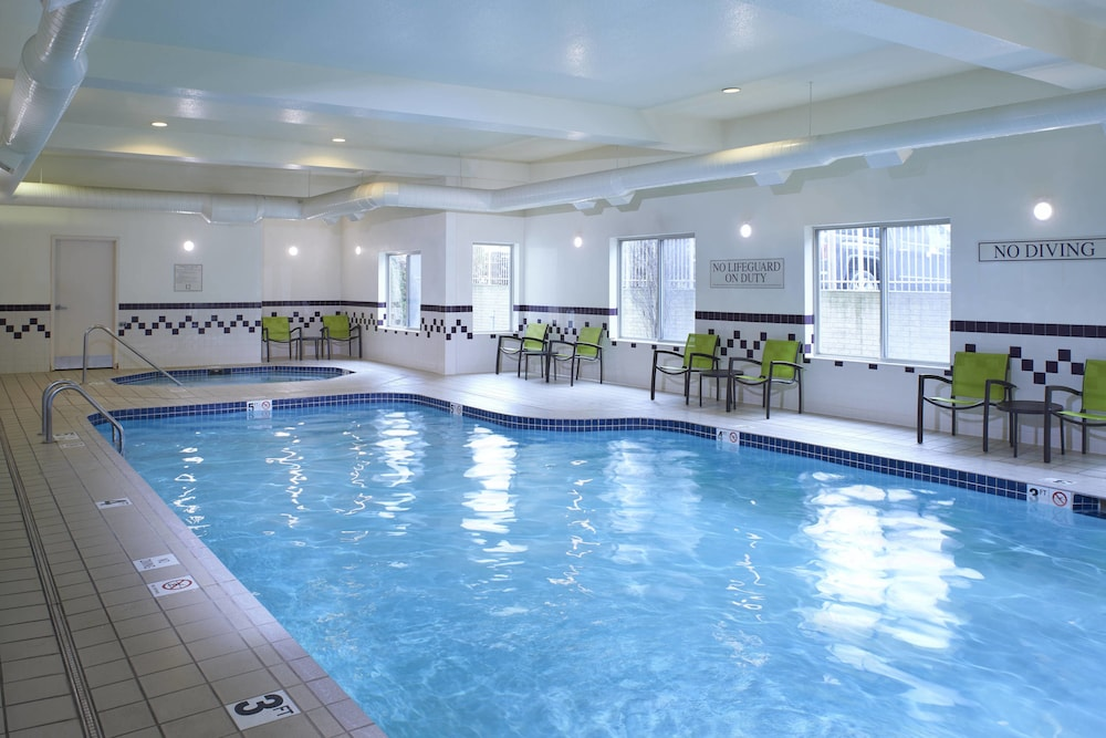 Pool, SpringHill Suites by Marriott Frankenmuth