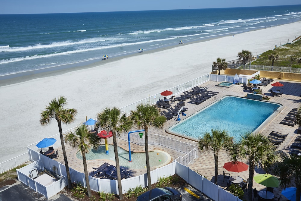 Pool, Holiday Inn Resort Daytona Beach Oceanfront