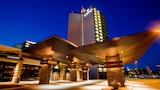 Sandman Signature Vancouver Airport Hotel & Resort - Richmond Hotels