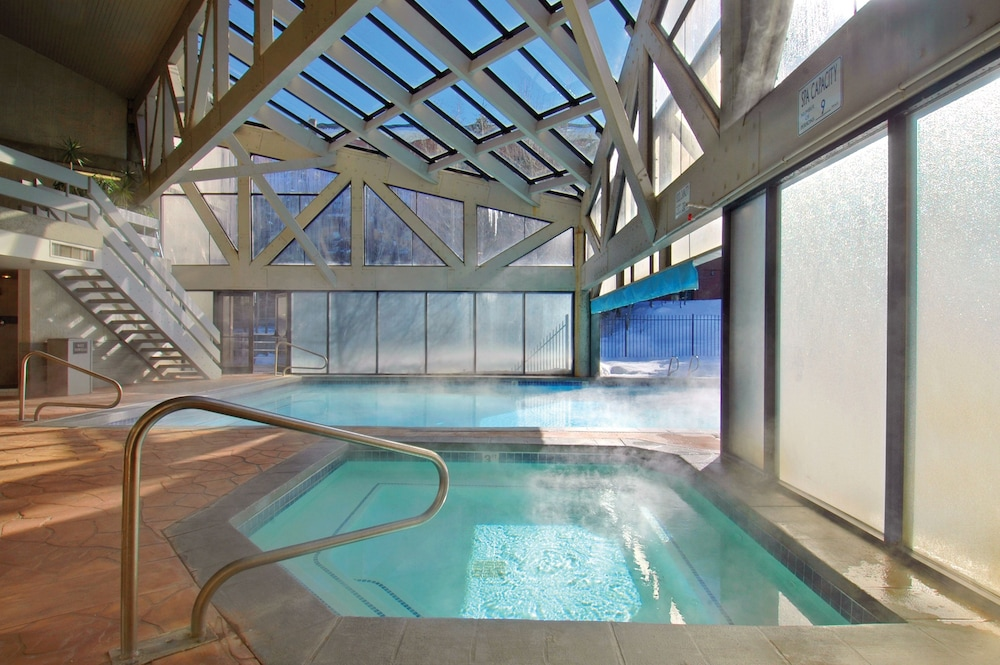 Indoor/Outdoor Pool, Silver King Hotel by All Seasons Resort Lodging