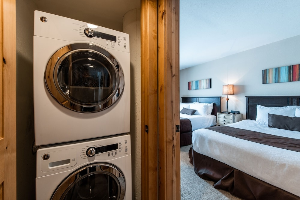 Laundry, Silver King Hotel by All Seasons Resort Lodging