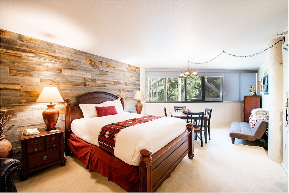 Room, Silver King Hotel by All Seasons Resort Lodging