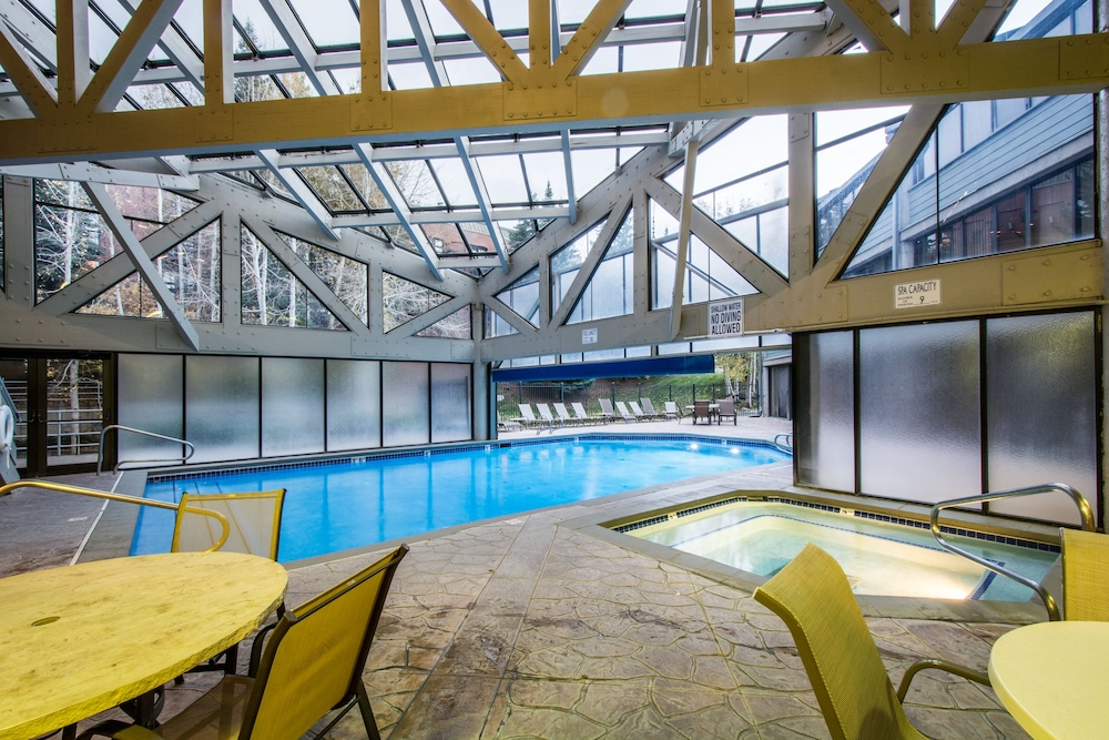 Indoor Pool, Silver King Hotel by All Seasons Resort Lodging