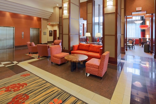Hampton Inn & Suites by Hilton Reagan National Airport
