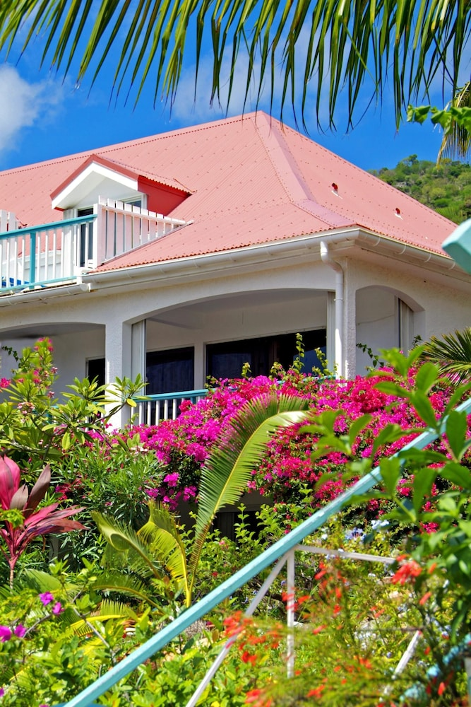 Exterior, Grand Case Beach Club