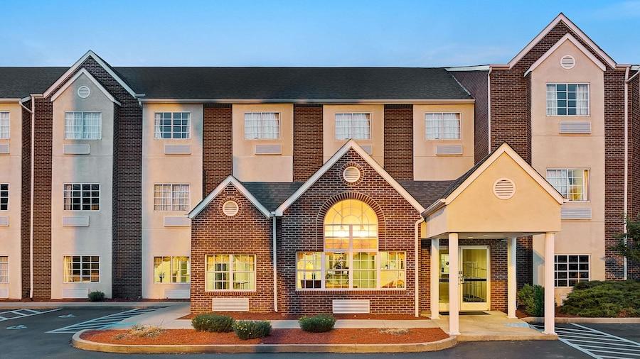Microtel Inn & Suites by Wyndham Florence/Cincinnati Airport