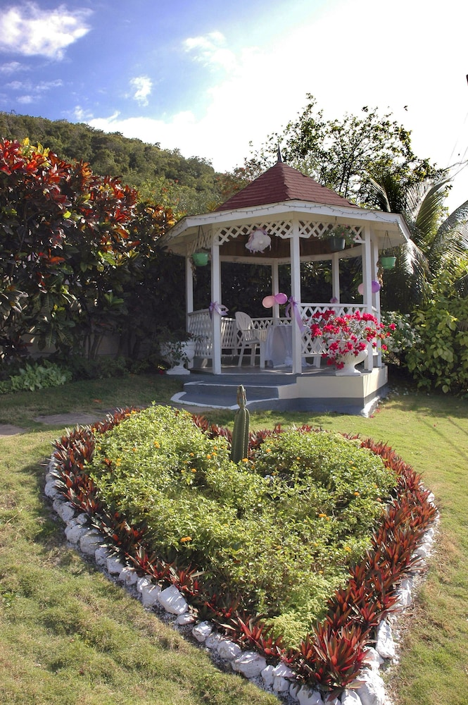 Gazebo, Relax Resort