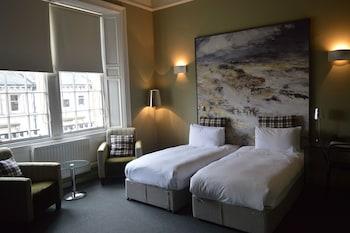 3 Rothesay Terrace, Edinburgh, Scotland, United Kingdom, EH3 7RY.