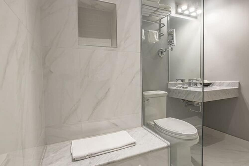 Bathroom, LHotel Montreal